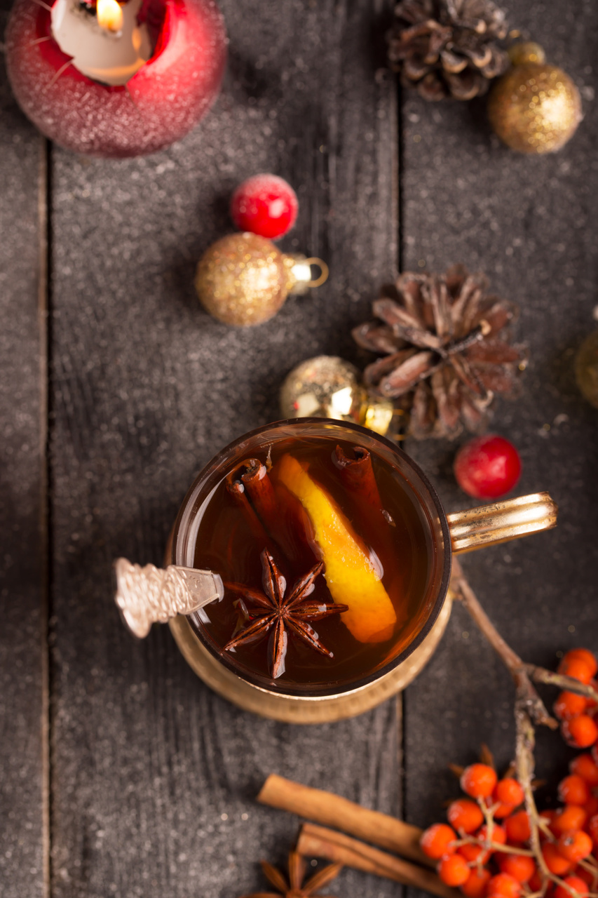 Top 10 Christmas Cocktails Mulled Wine